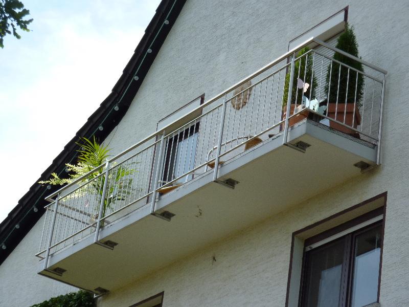 balkongel nder aus edelstahl mit stabf llung muster standard befestigung von unten edelstahl. Black Bedroom Furniture Sets. Home Design Ideas