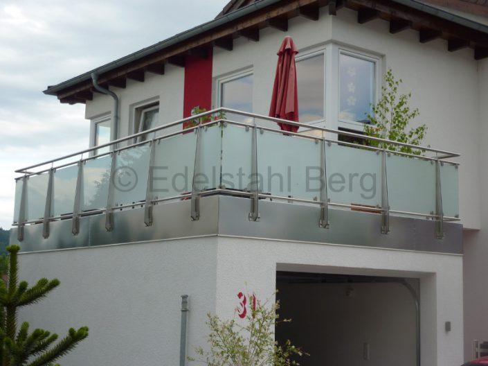 balkongel nder mit glasf llung edelstahl roland berg f rth. Black Bedroom Furniture Sets. Home Design Ideas