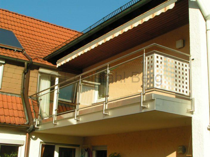 balkongel nder mit glas und blech edelstahl roland berg. Black Bedroom Furniture Sets. Home Design Ideas